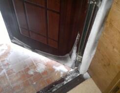 Конструктивные особенности дверей с терморазрывом, плюсы и минусы