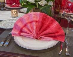 Как красиво сложить сервировочную салфетку из ткани