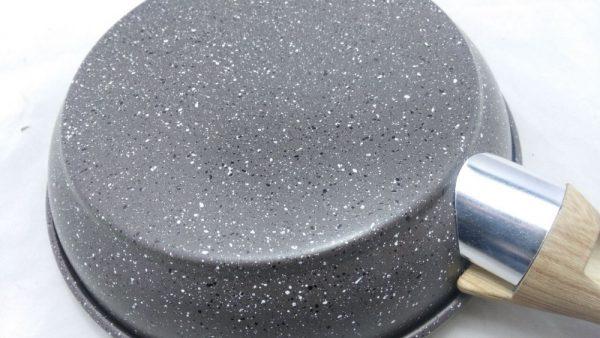 Как выглядит сковорода с мраморным покрытием