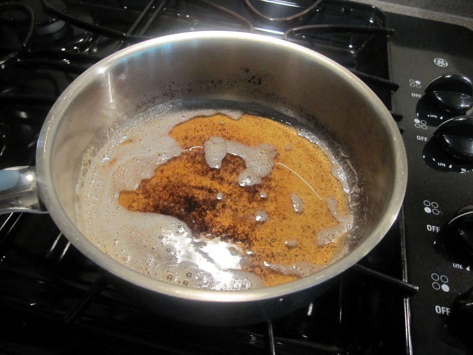 Чистка сковороды содой