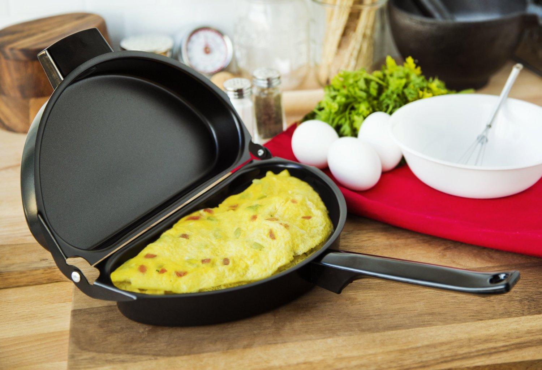 Двусторонняя сковорода с омлетом