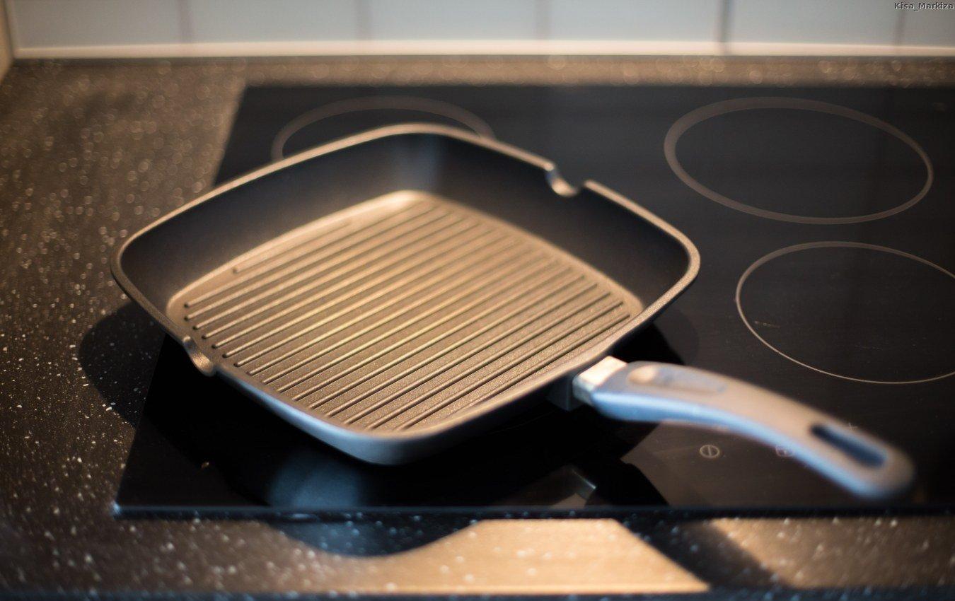 Сковорода-гриль из тефлона
