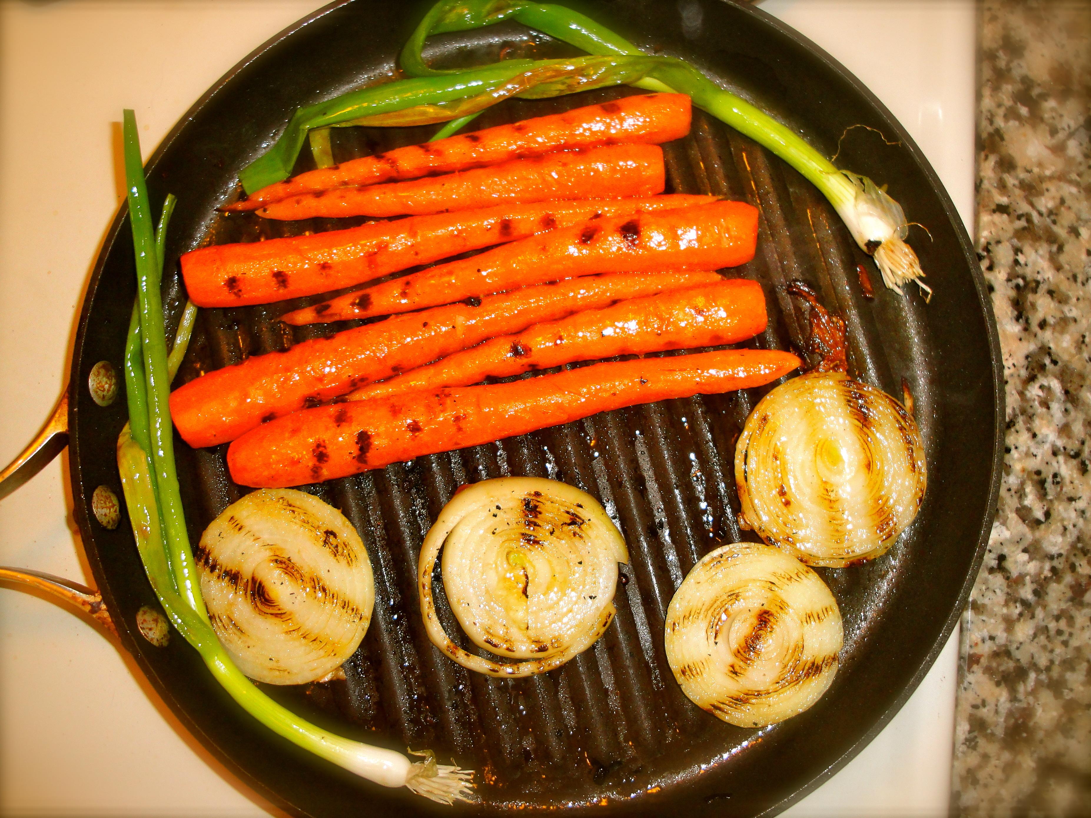 Сковорода-гриль с овощами