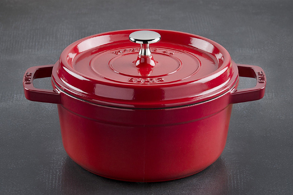 Керамика представляет собой органический материал, который не вступает в реакцию с пищей при готовке