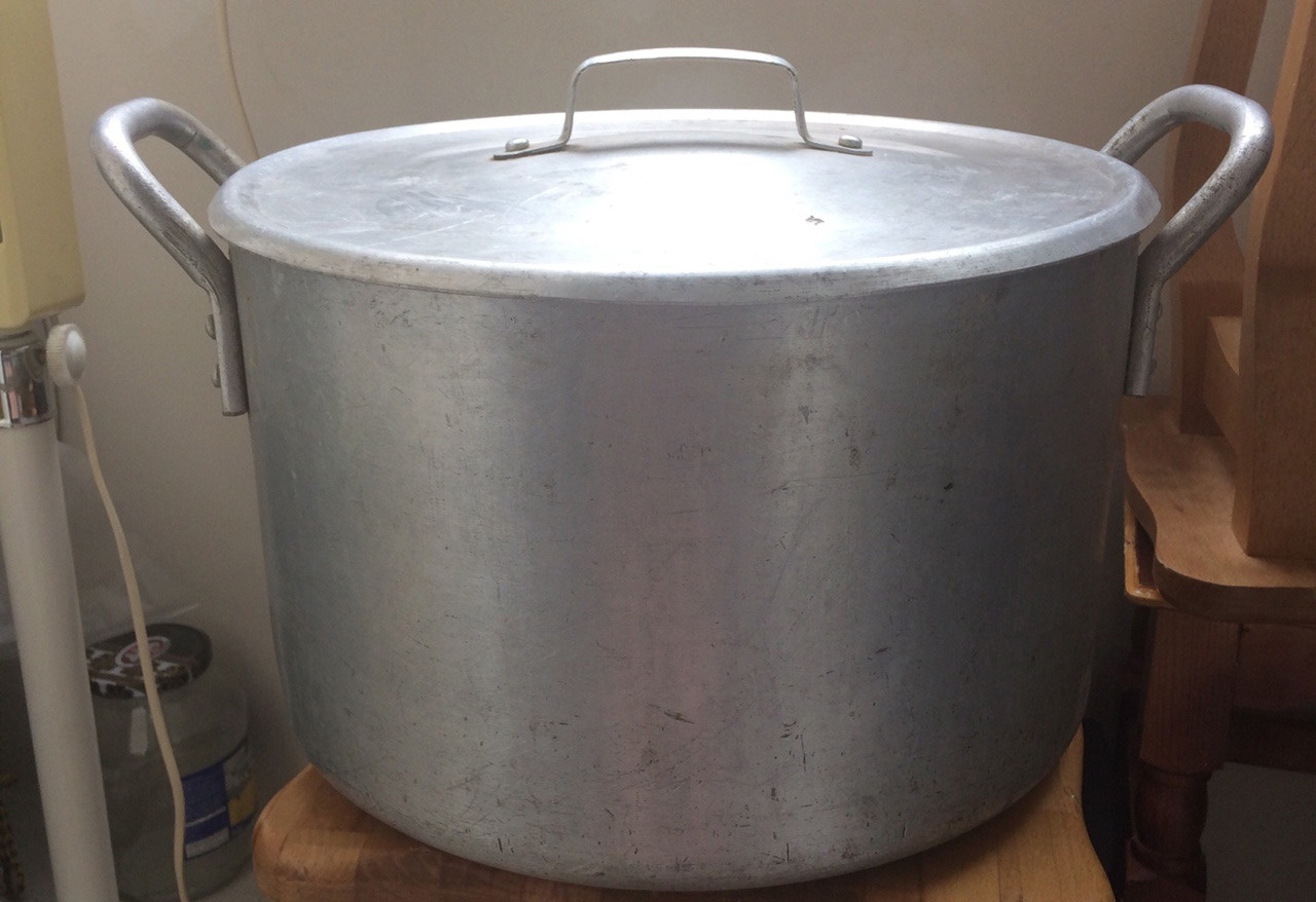 Фото алюминиевой кастрюли 20 литров