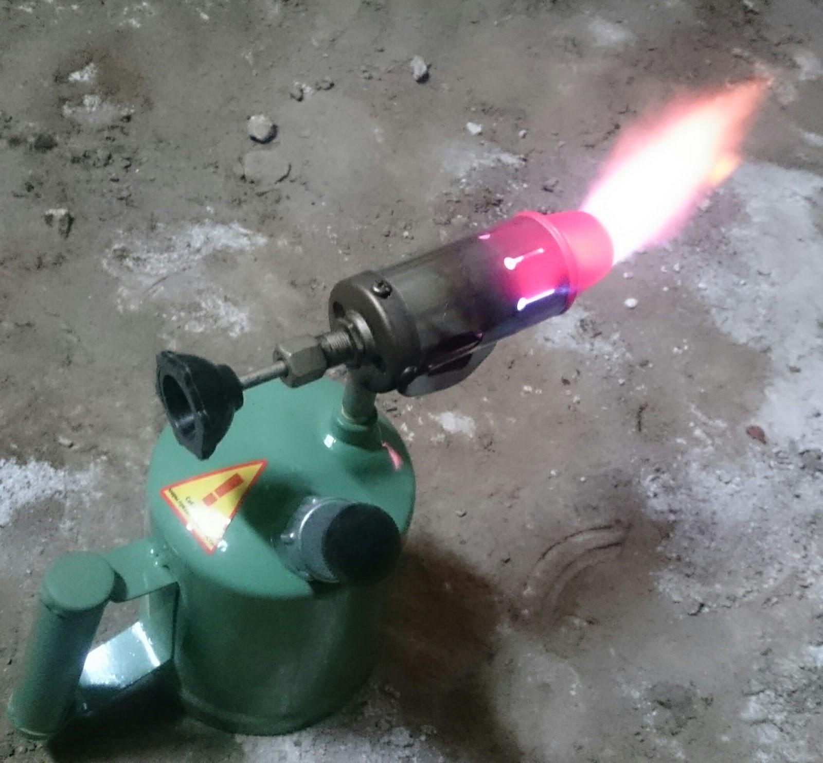 Фото паяльной лампы