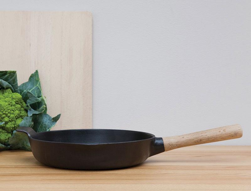 Преимущества использования чугунной сковороды