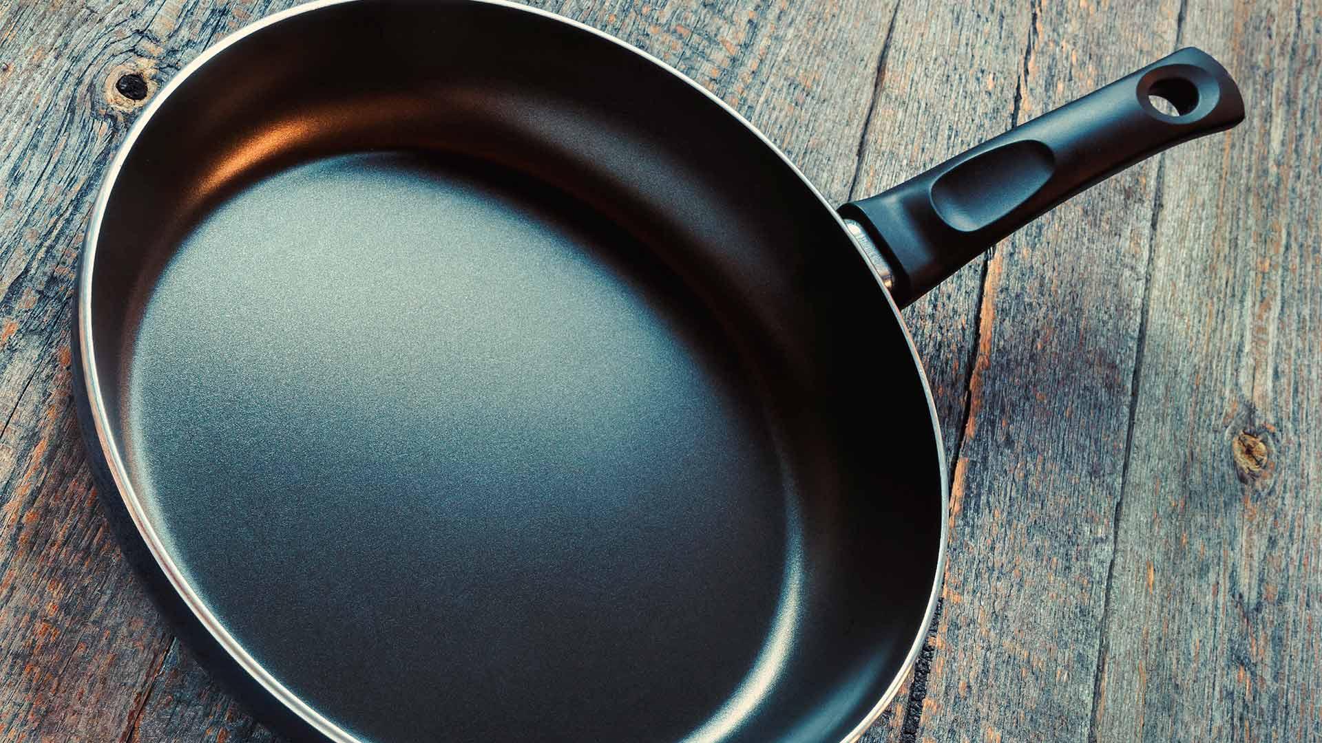 Сковорода с тефлоновым покрытием