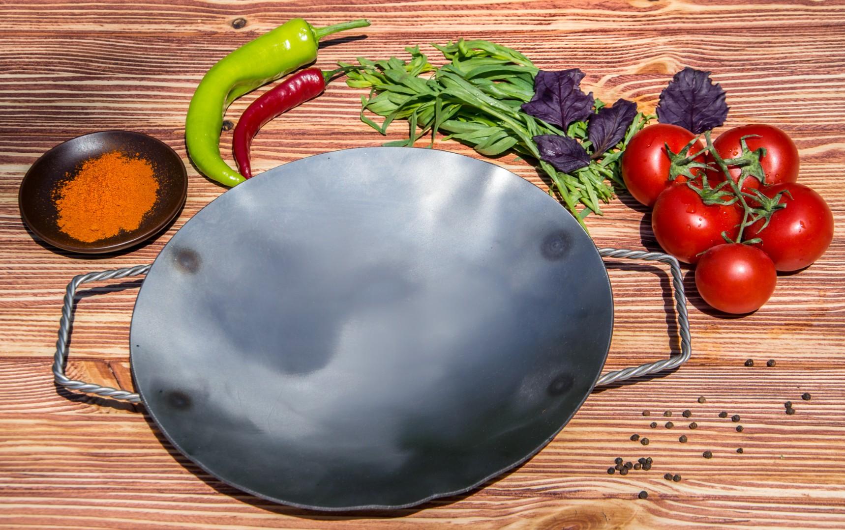 Сковорода-садж из стали