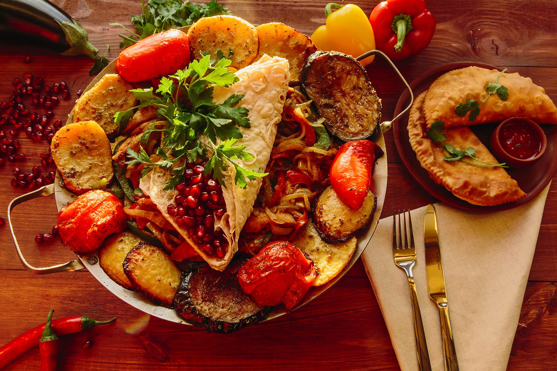 Сковорода-садж с блюдом