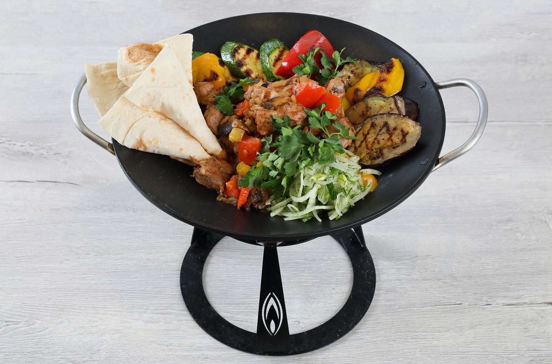 Фото сковороды-садж с едой