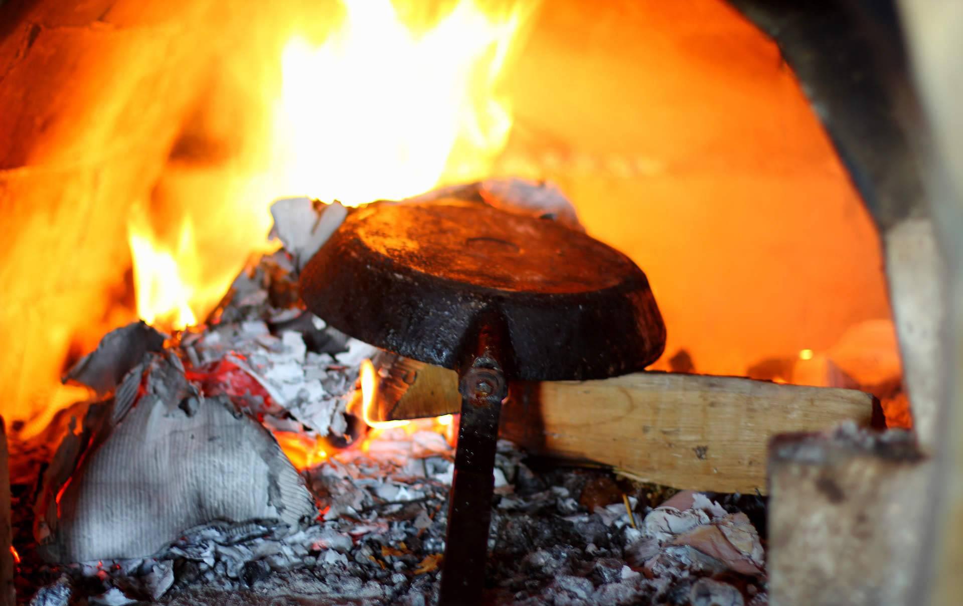 Сковорода в огне