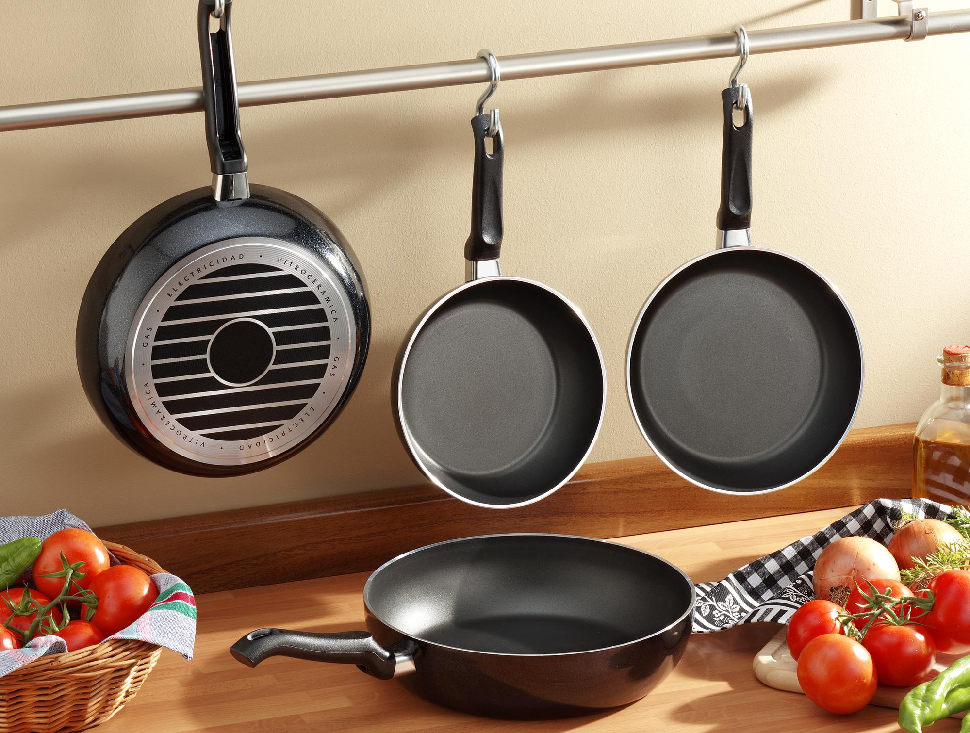 Сковороды с антипригарным покрытием