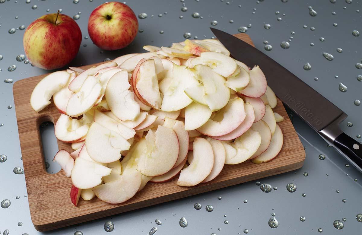 Использование кислоты из яблок для очистки кастрюль