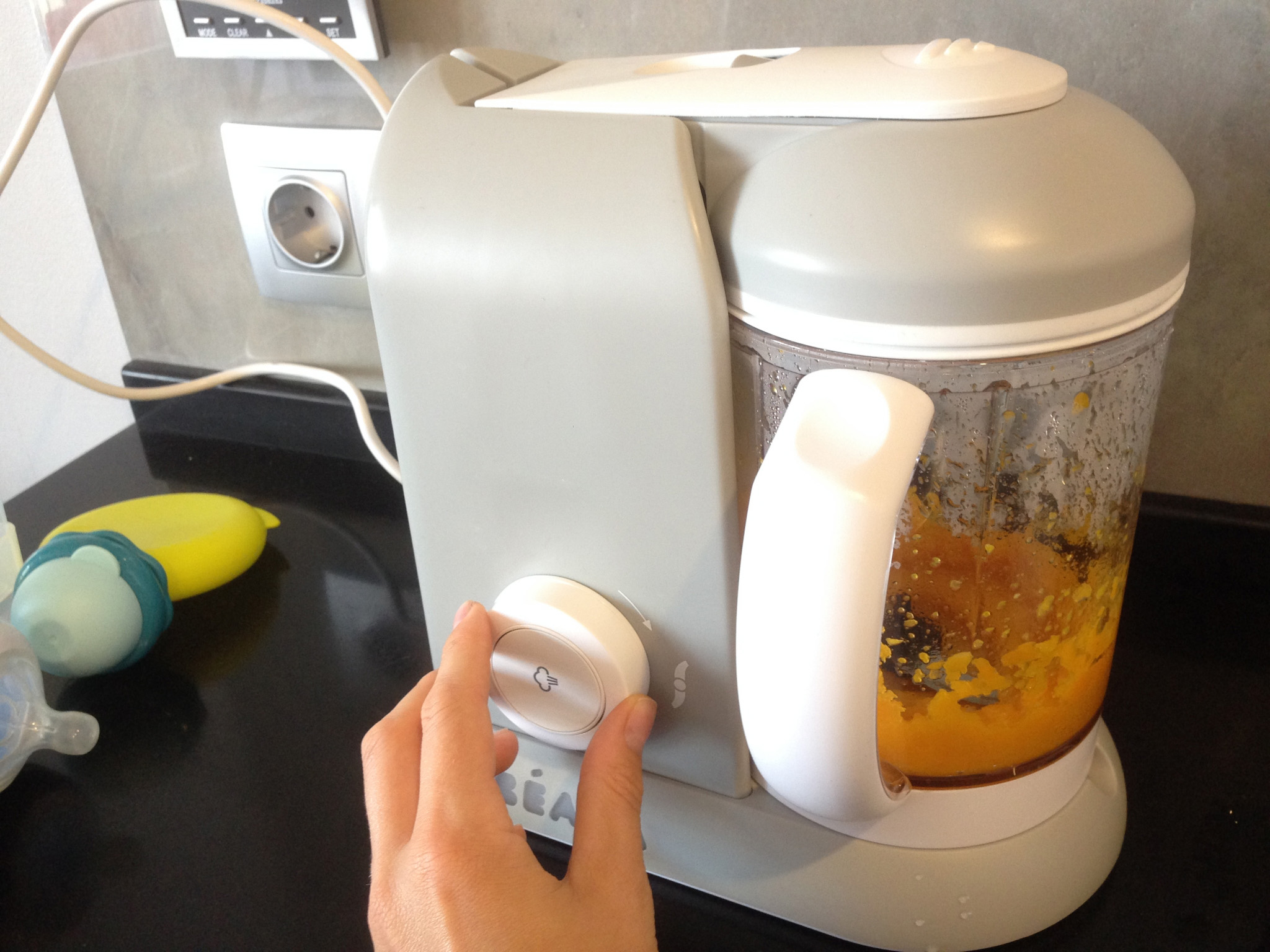 Пароварка-блендер на кухне