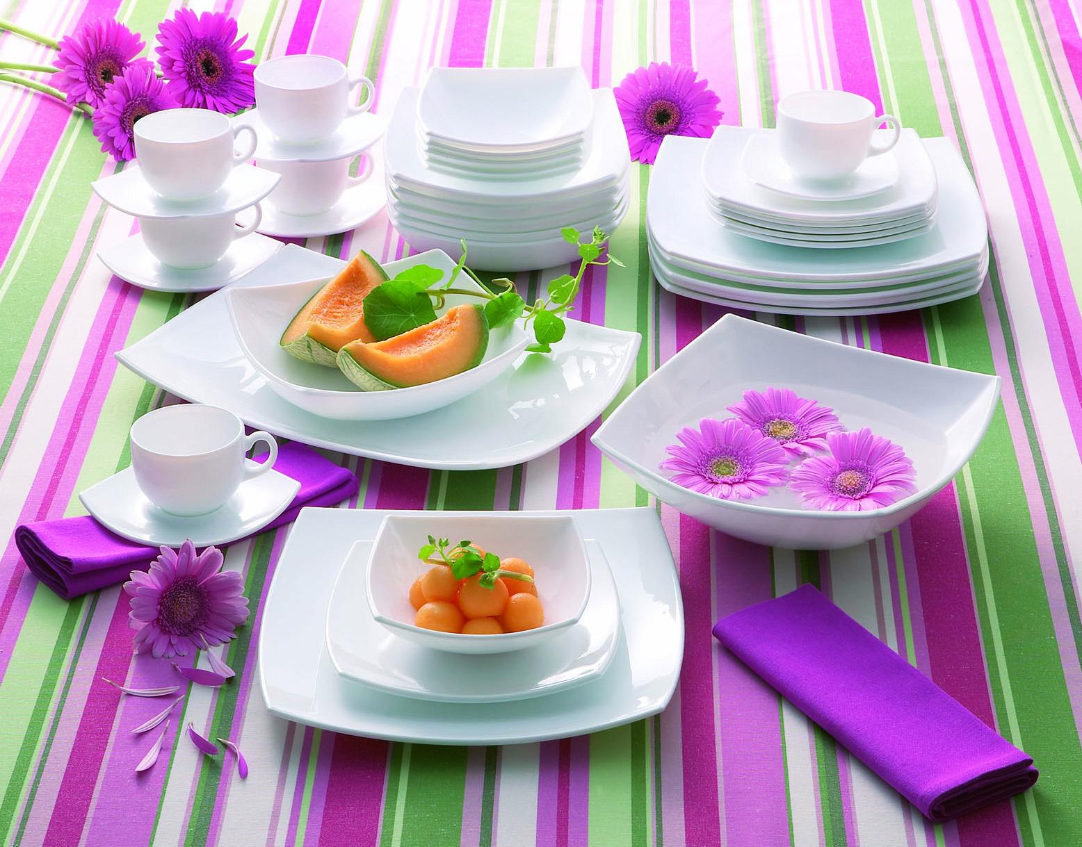 Фото посуды Люминарк на столе