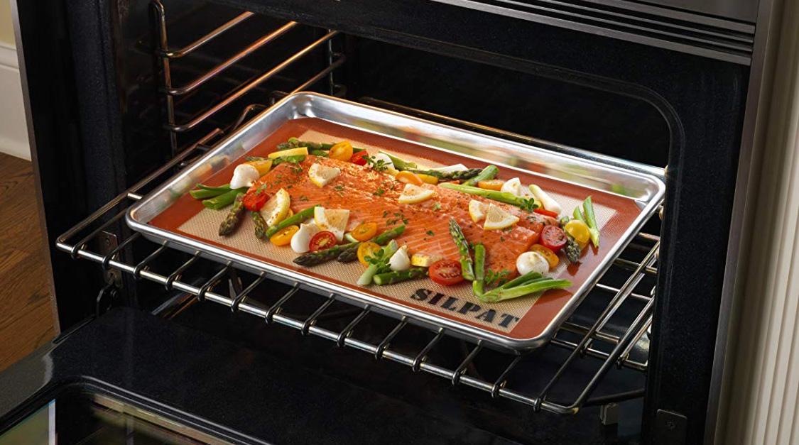 Противень для духовки с рыбой