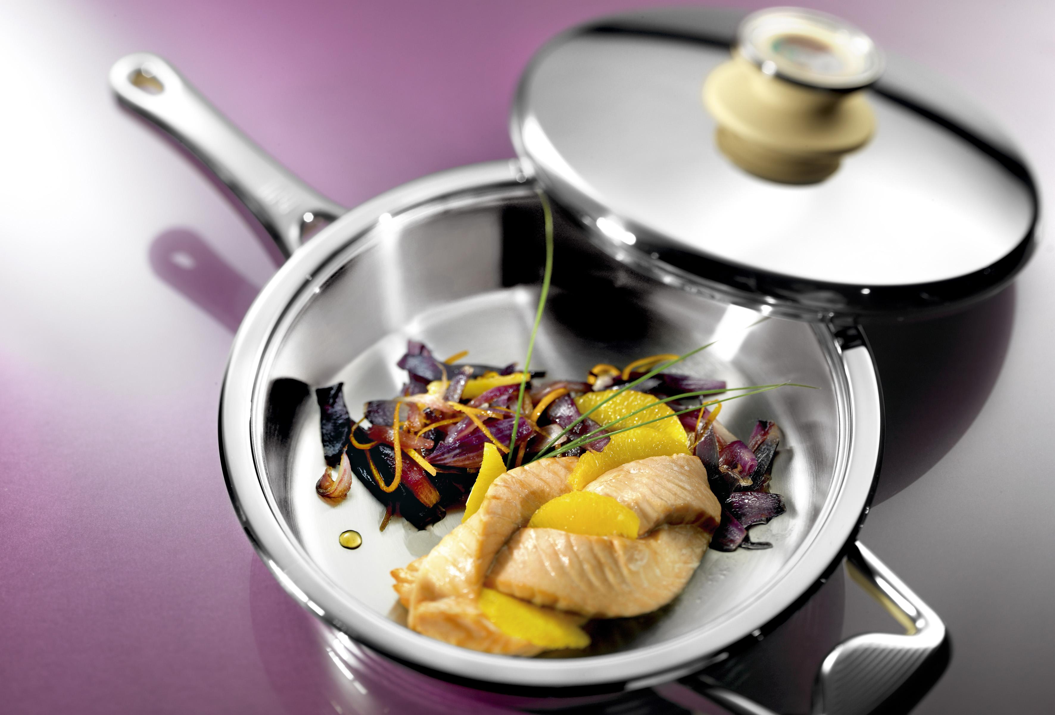 Фото сковороды Цептер с едой