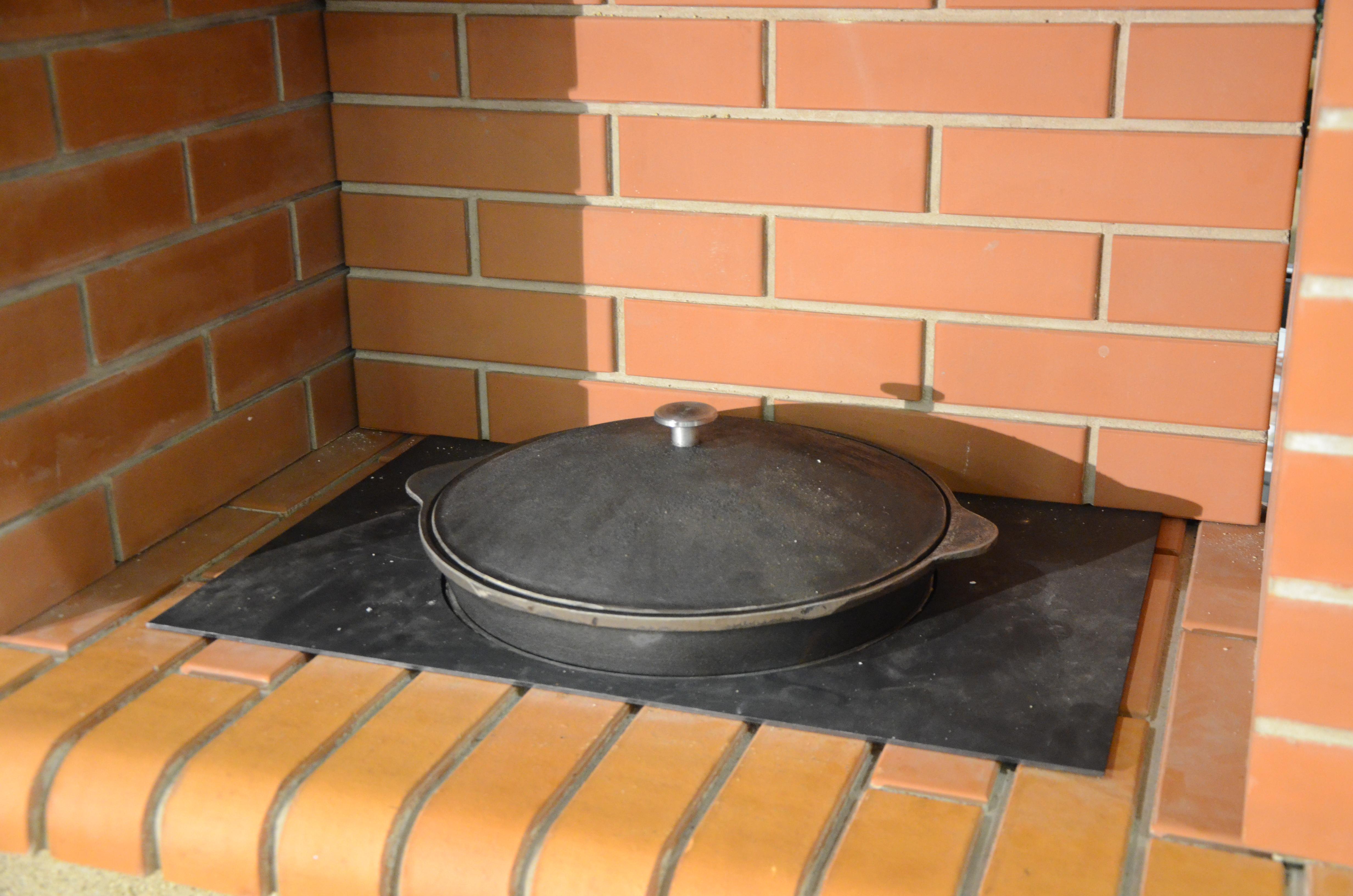 Чугунная плита под казан в печи