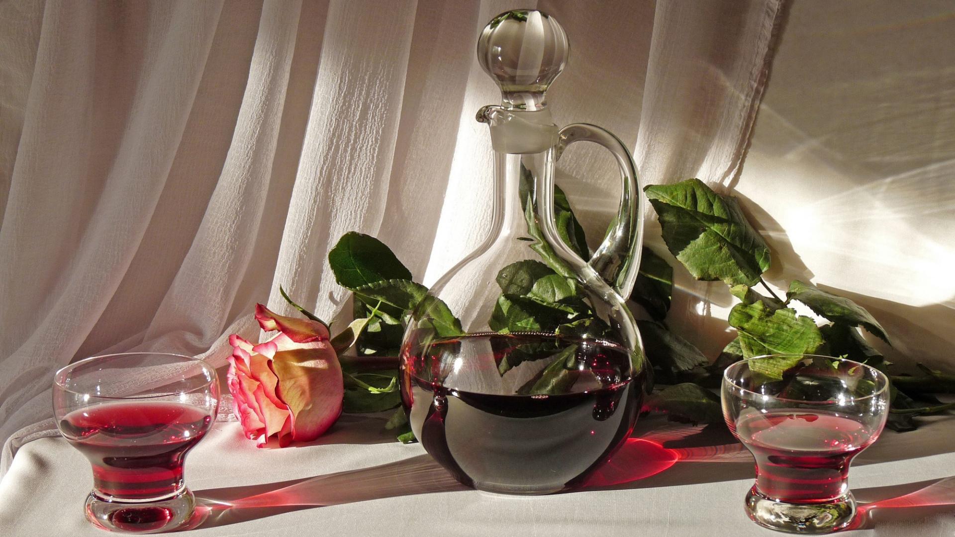 Фото графина с вином