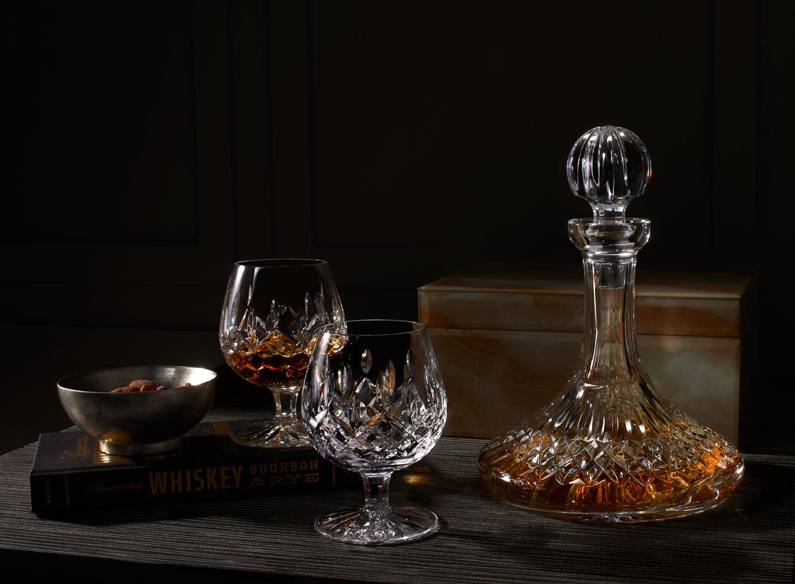 Хрустальный графин с виски
