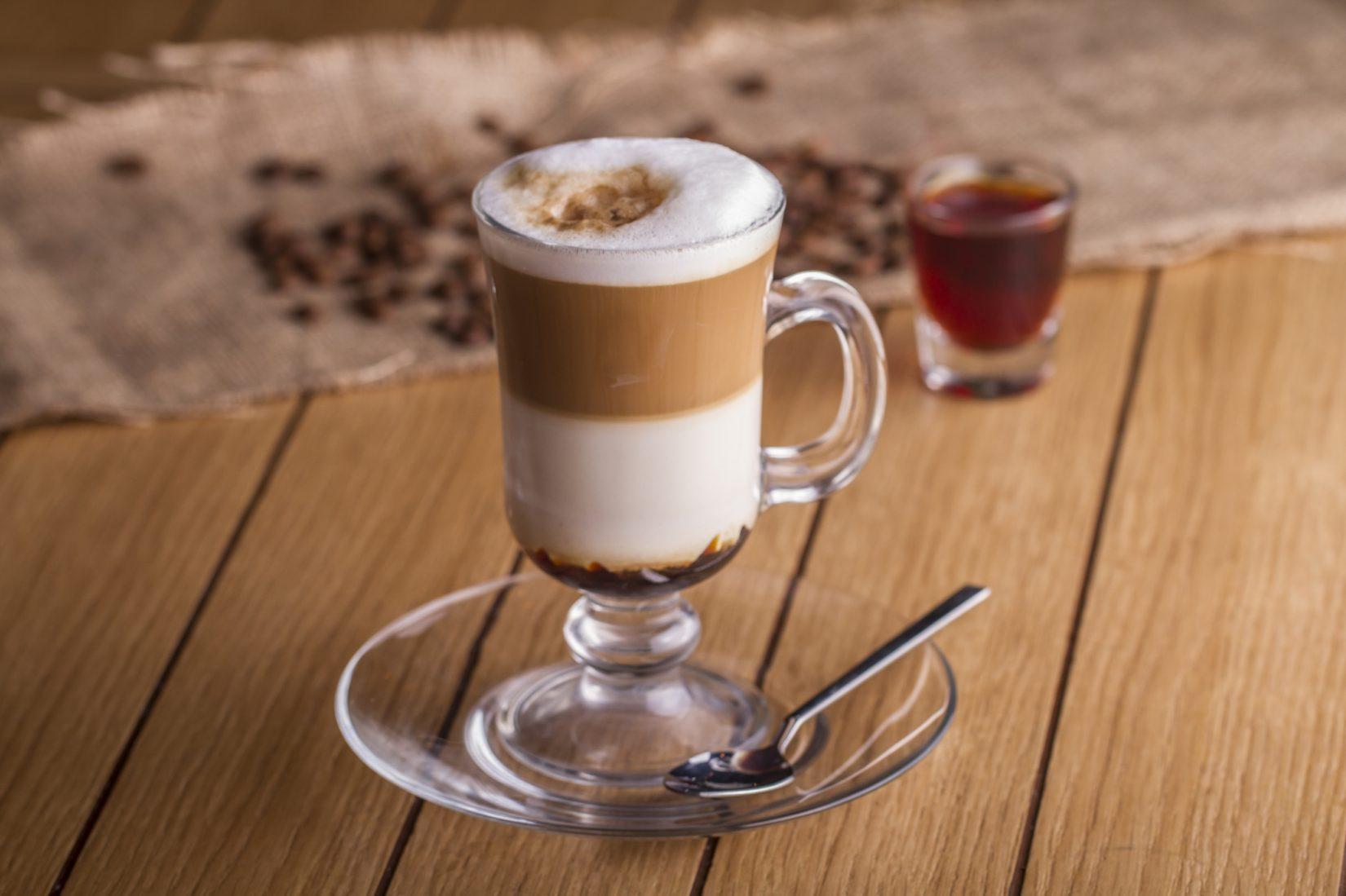 Фото кофе в айриш бокале