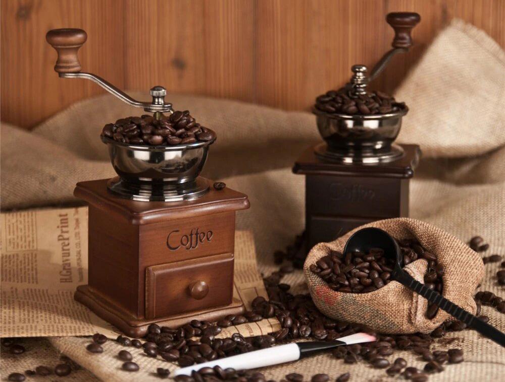 Фото кофемолки с кофе