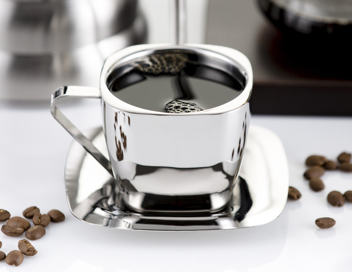 Кружка из нержавейки с кофе