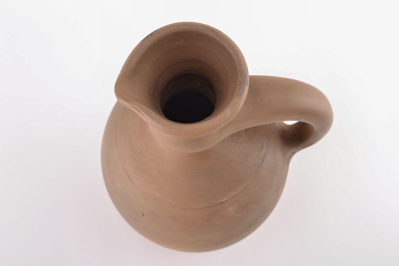 Фото старинного кувшина для вина
