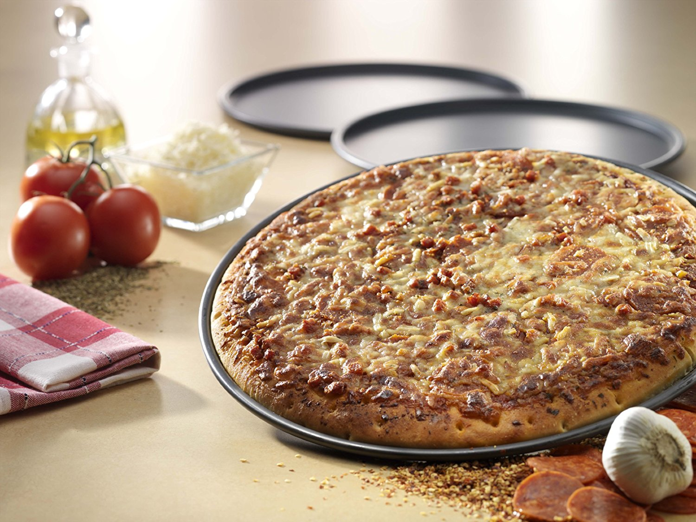 Пицца в форме для выпечки