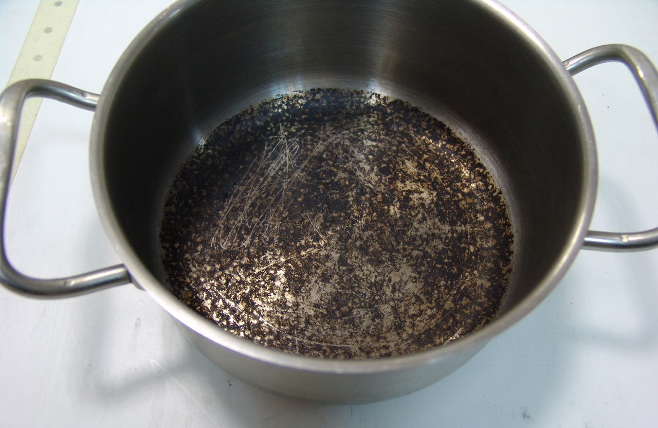 Фото пригоревшей кастрюли