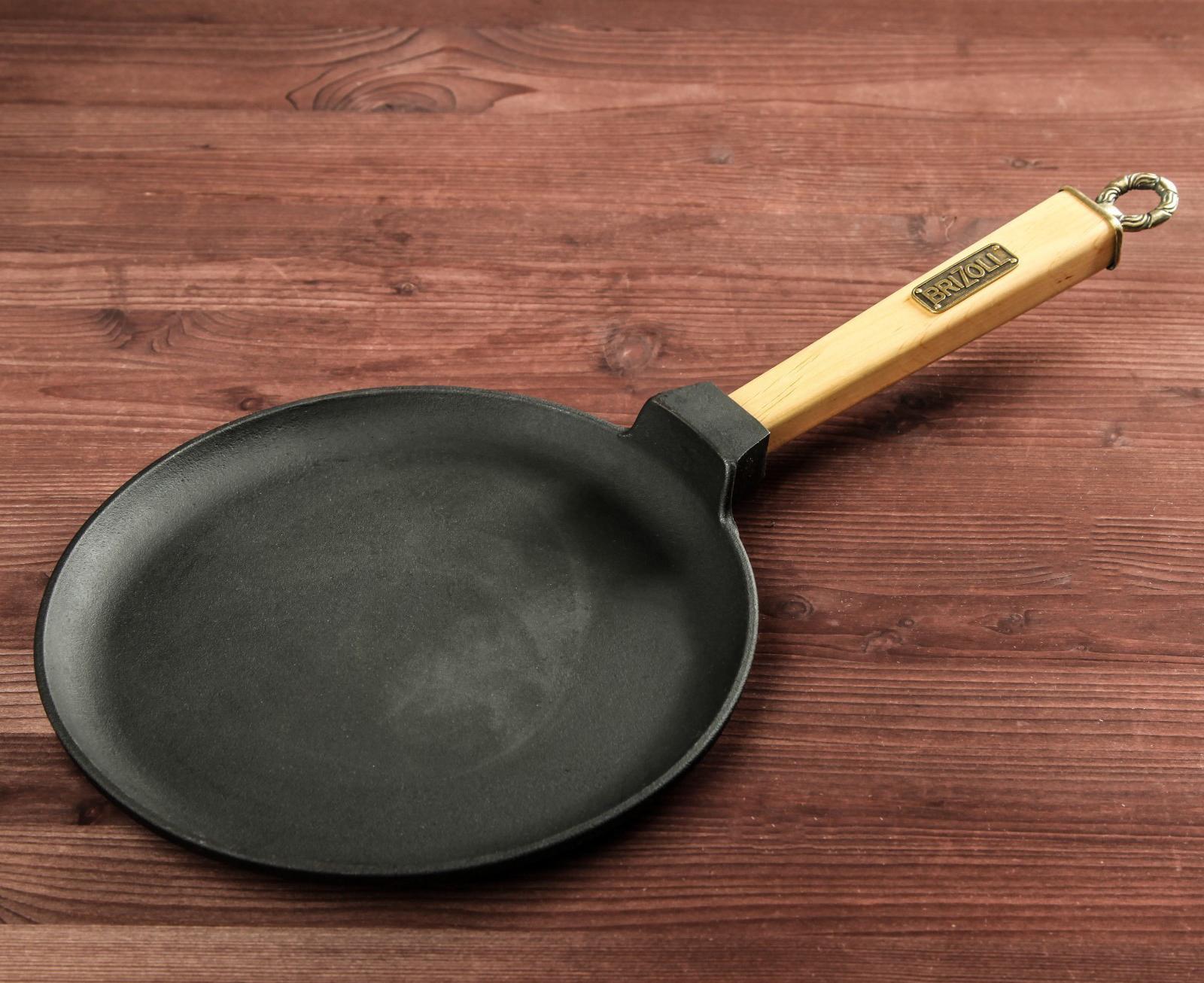 Фото чугунной сковороды для блинов