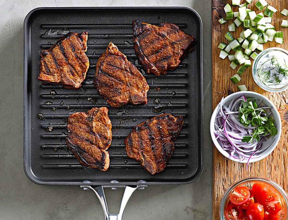 Сковорода гриль с мясом