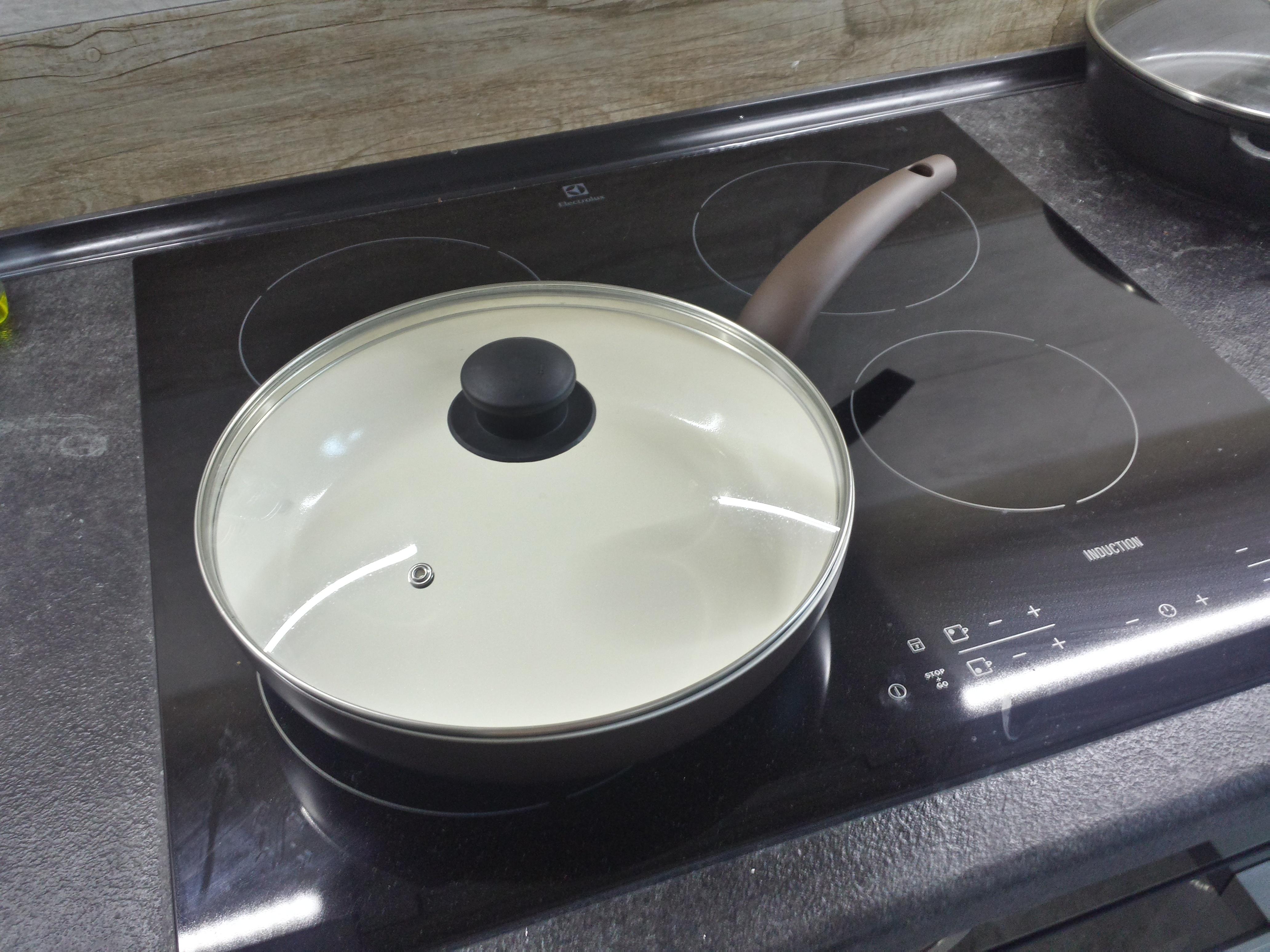 Фото сковороды на индукционной плите