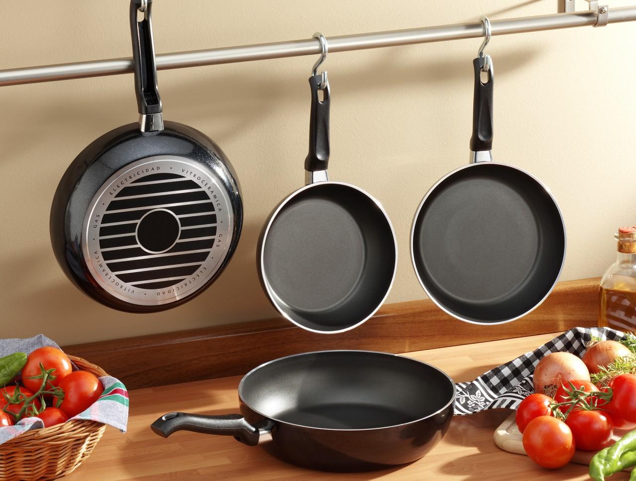 Сковородки с тефлоновым покрытием