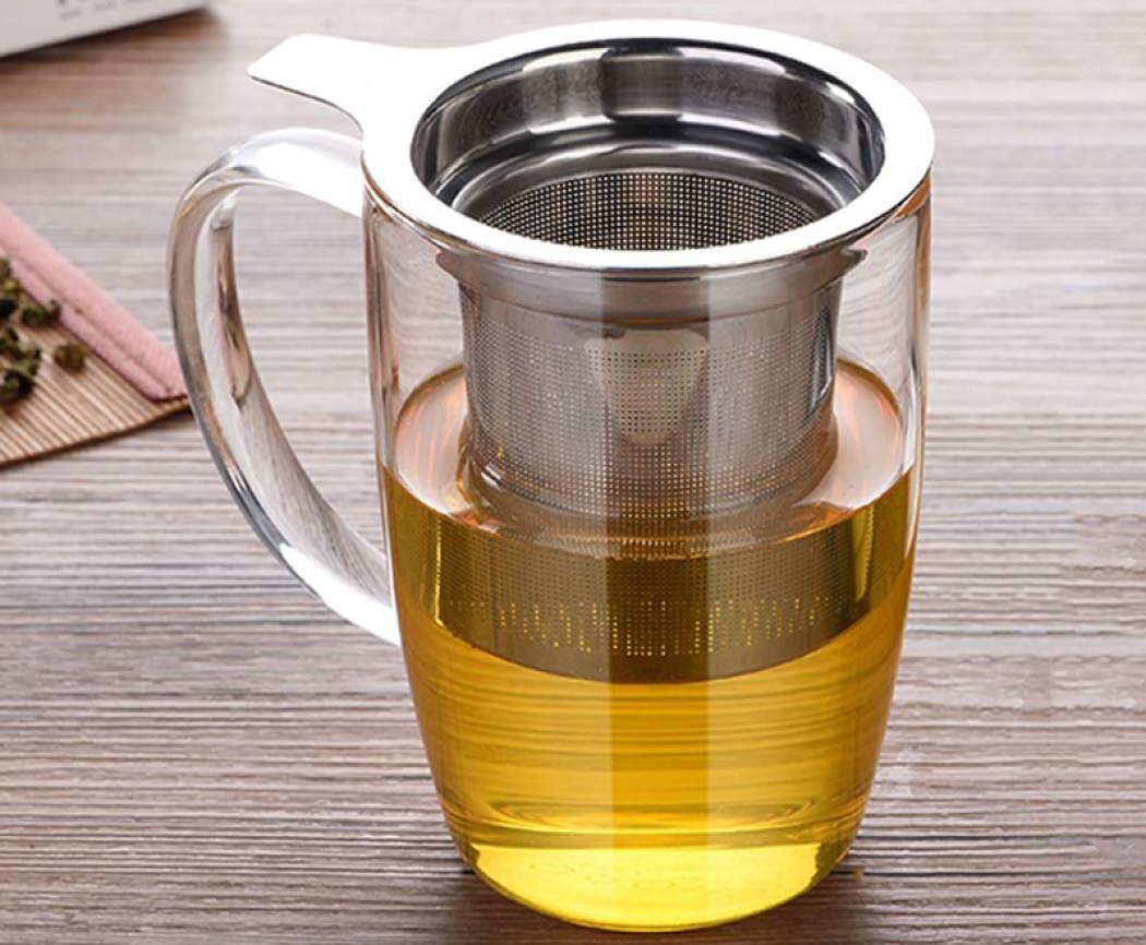 Фото заварочной кружки с чаем