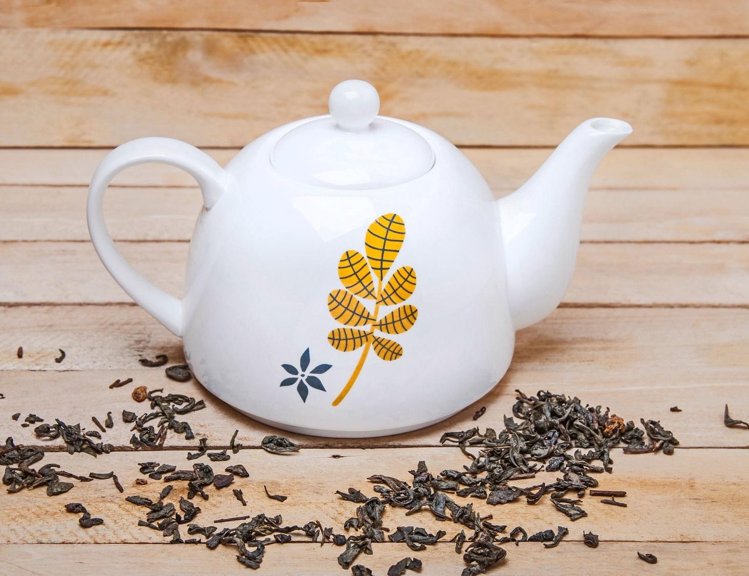 Фото фарфорового заварочного чайника
