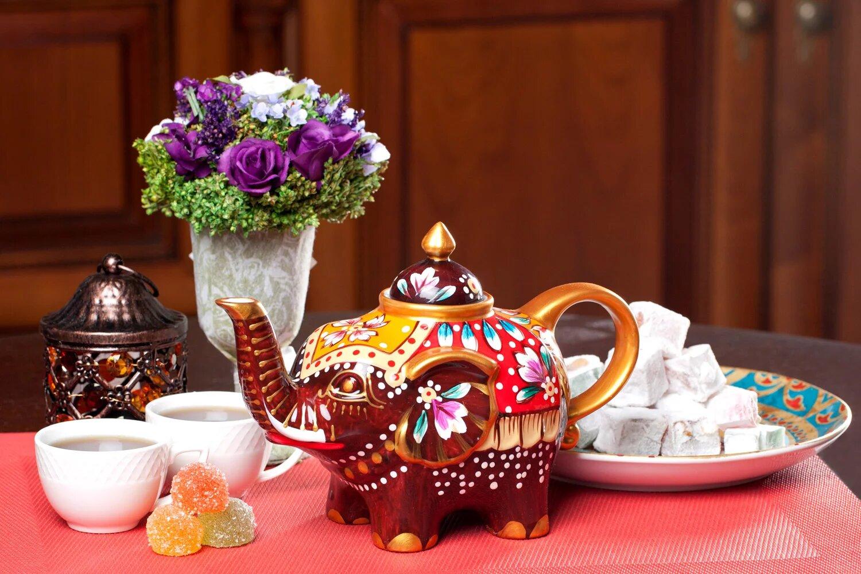 Красивый заварочный чайник