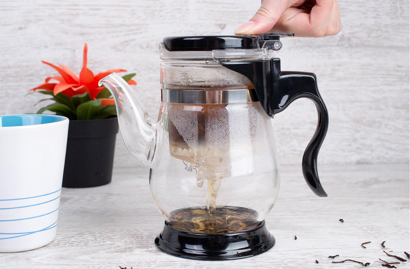 Фото заварочного чайника с кнопкой