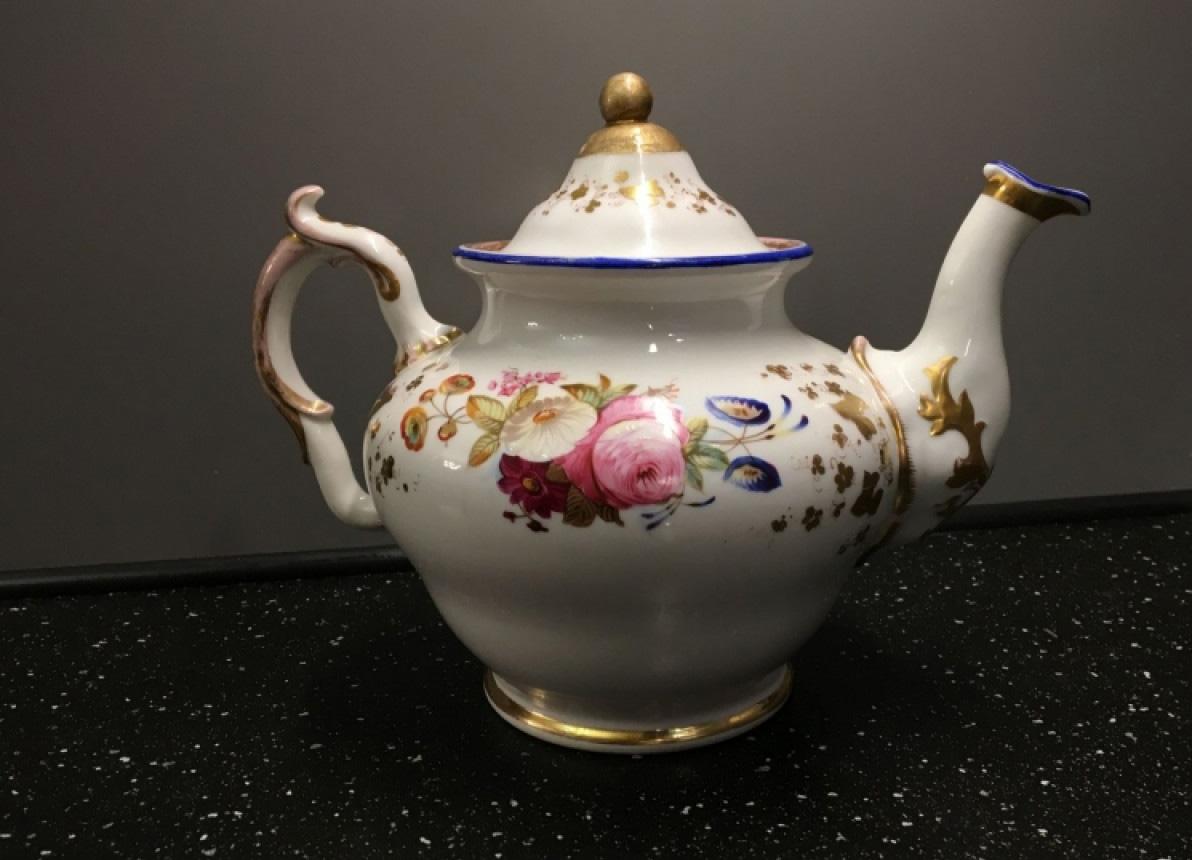 Старинный заварочный чайник