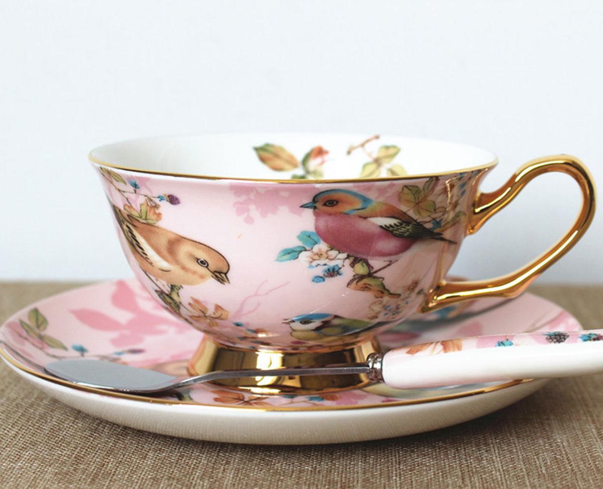 Фото фарфоровой чашки