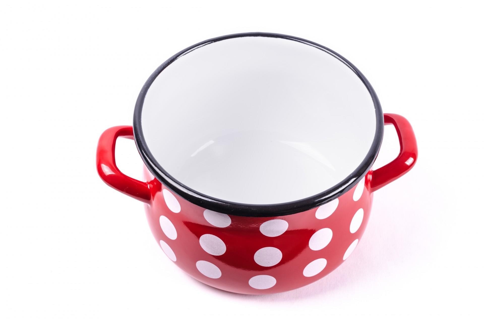 Эмалированная посуда внутри