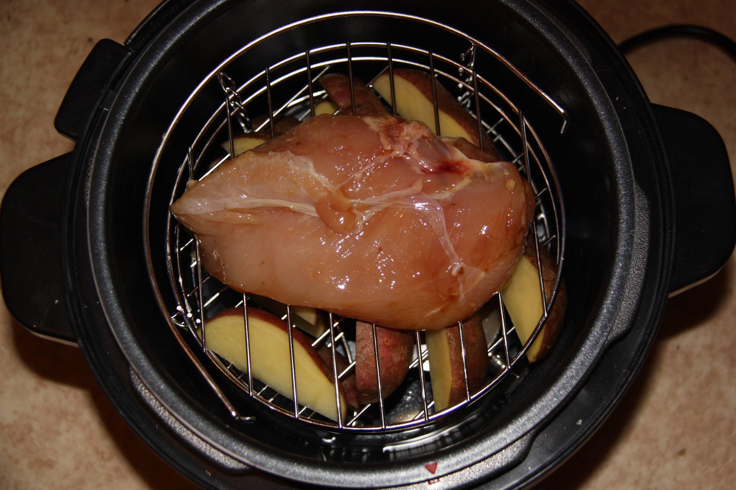 Коптильня-скороварка с едой