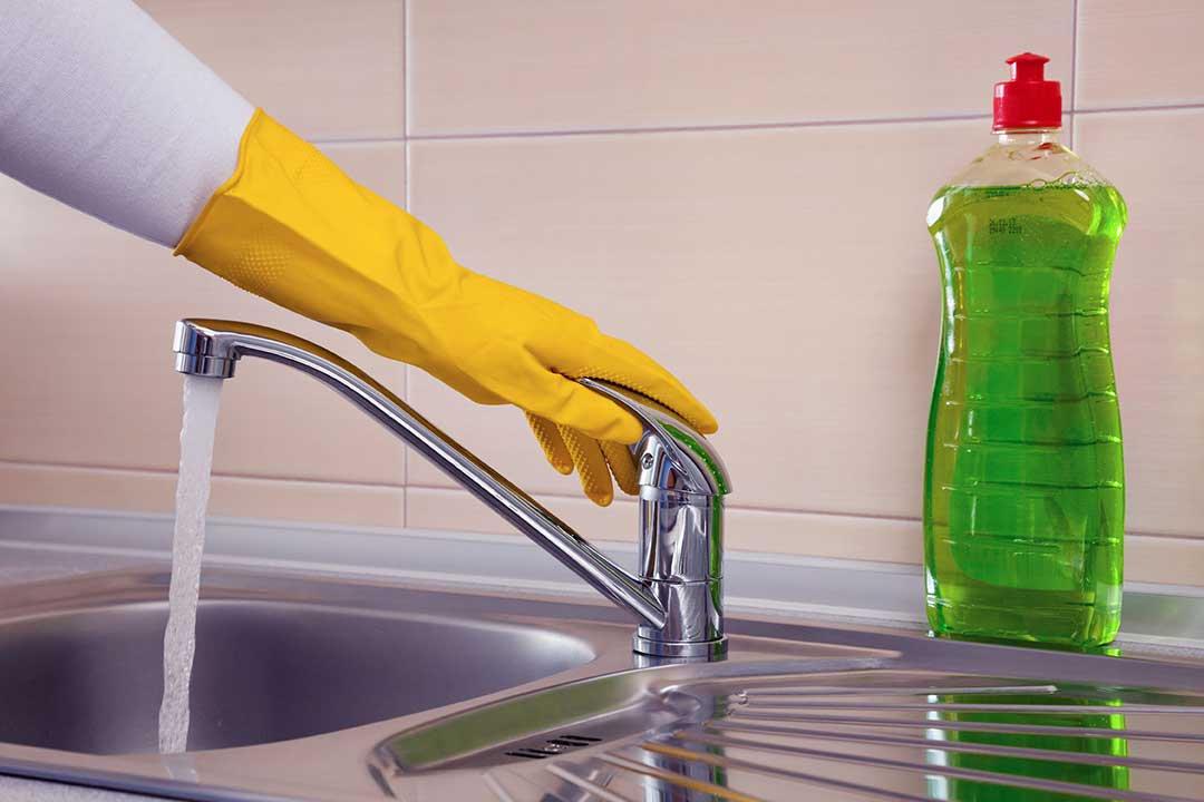Моющее средство на раковине