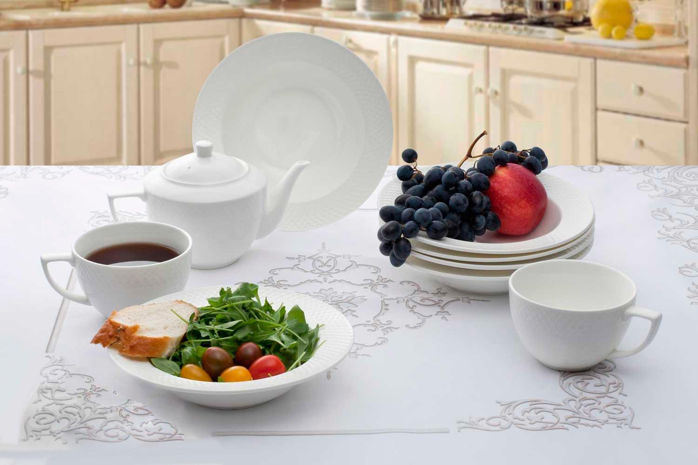 Посуда Wilmax с едой
