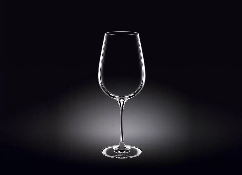 Стеклянный бокал для вина