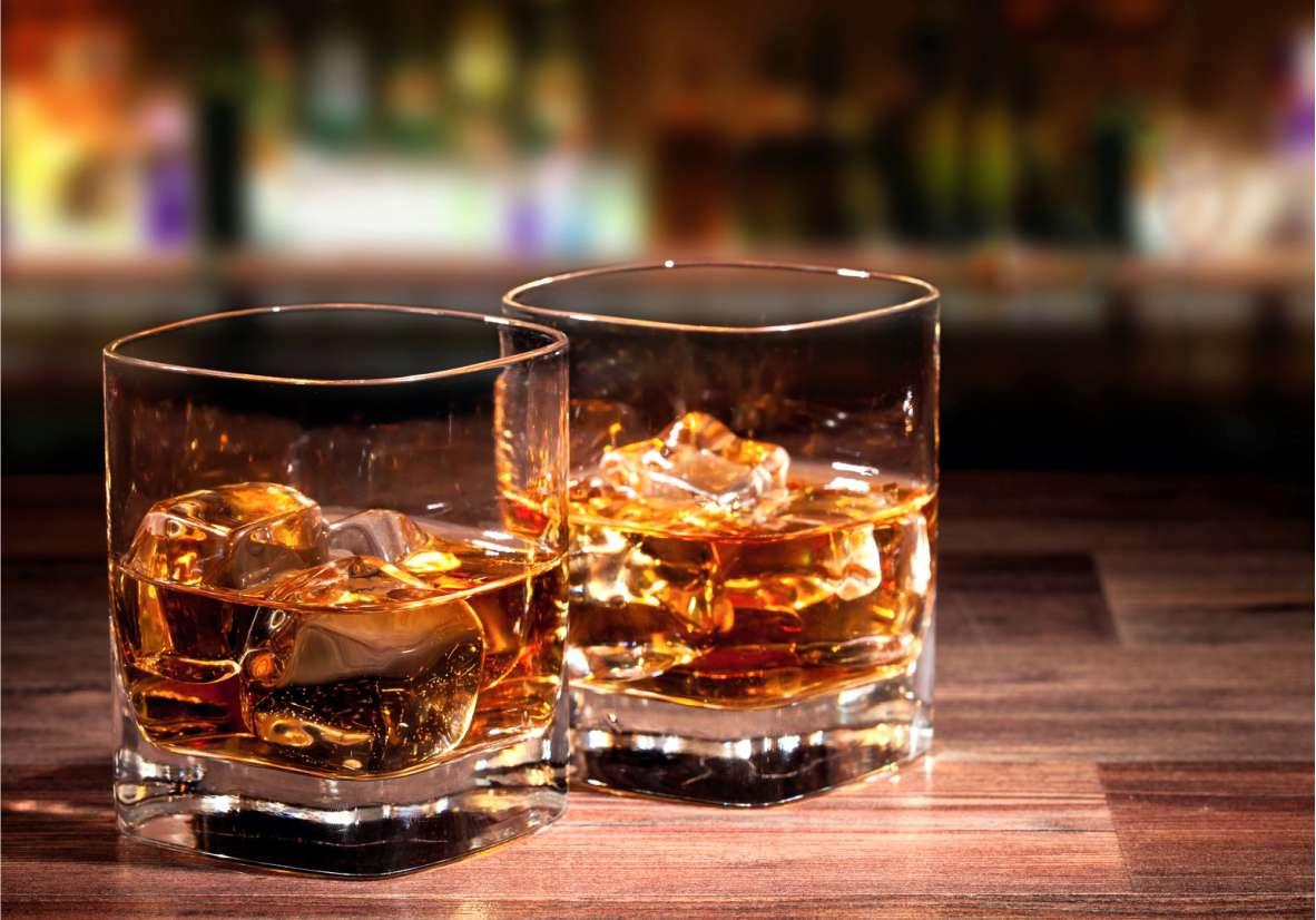 Виски в бокалах