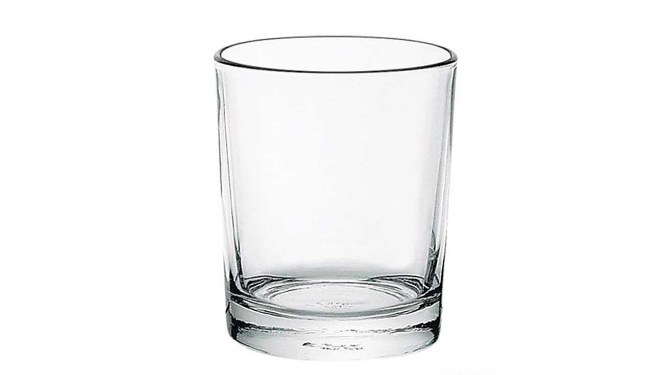 Чистый бокал для виски