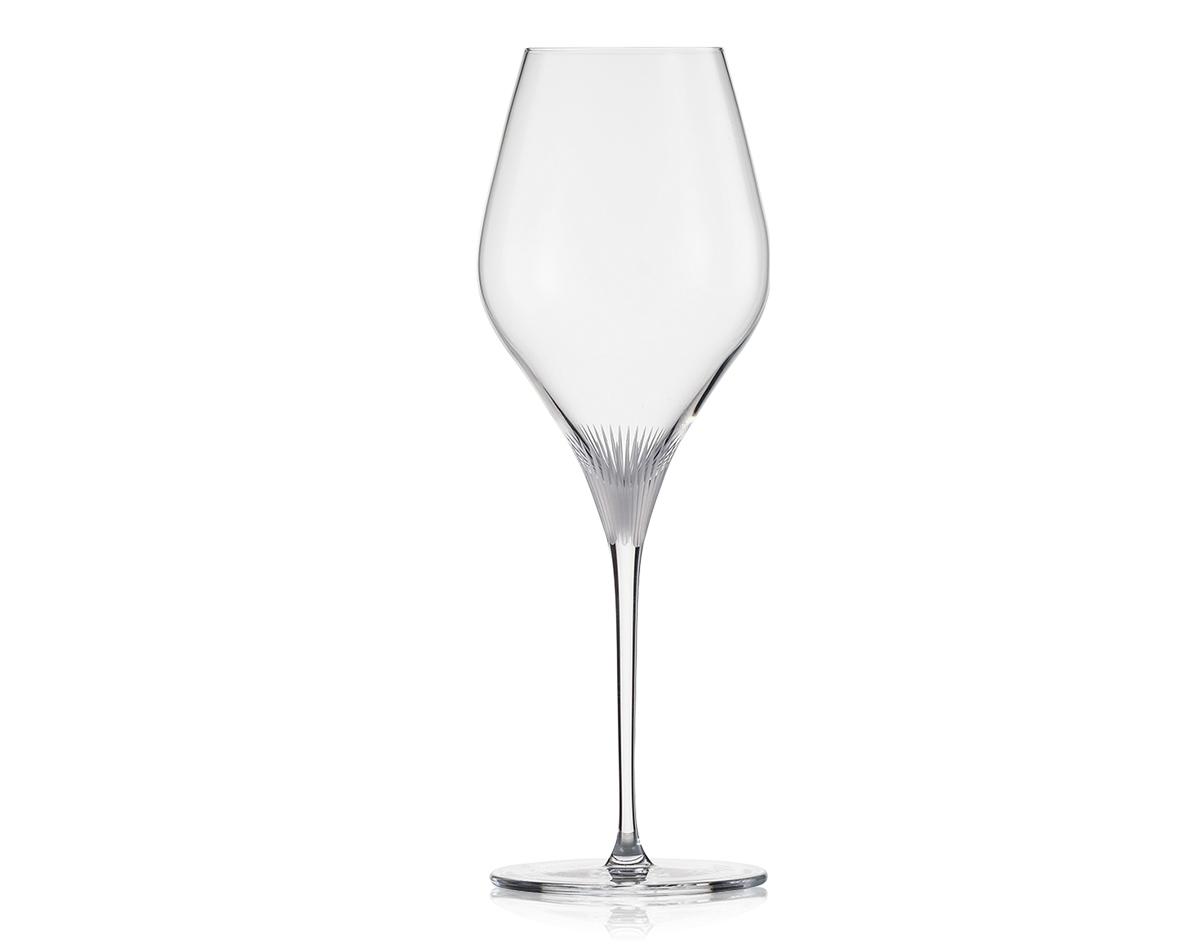 Фото бокала для красного вина