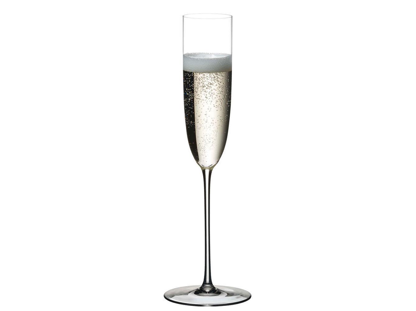 Бокал flyute с шампанским